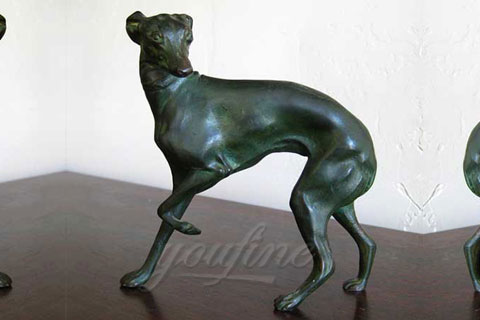 Декоративная скульптура собаки из бронзы в искусстве для продажи