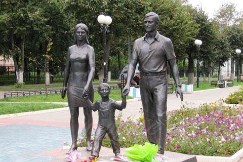 Заказать бронзовую статуэтку семьи солдатов ручная работа на улице в искусстве для продажи