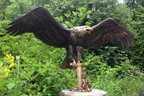Изобразительная скульптура орла из меди и в современном искусстве
