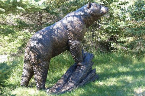 Искусственная скульптура Медведя на пне на улице для продажи