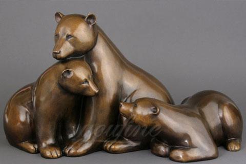 Порочная скульптура Три Медведя из бронзы в царском селе в искусстве