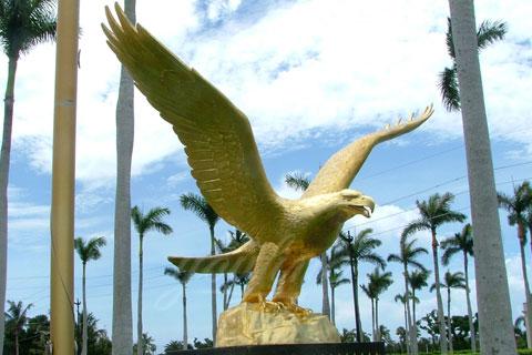 Романская скульптура орла из меди как вид изобразительного искусства в искусстве