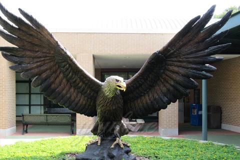 Скульптура орла в искусстве из бронзы