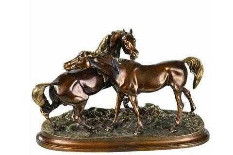 Удивительные скульптуры лошадей из бронзы на постаменте для дома в искусстве для дома
