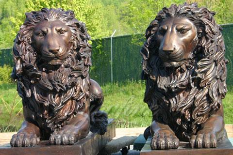 Бронзовый лев на улице для декора