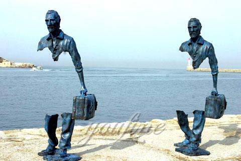 Заказать скульптура путешественник из бронзы