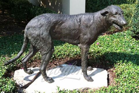 Заказать скульптуру домашней собаки из бронзы в искусстве для декора