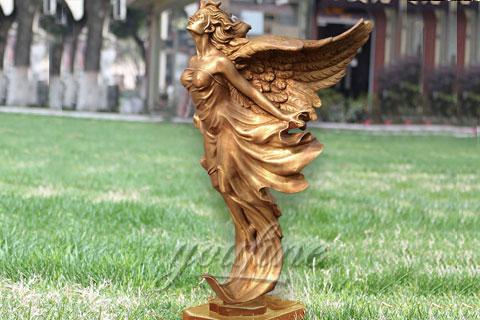 Прекрасная скульптура ангела купить в риме скульптуры
