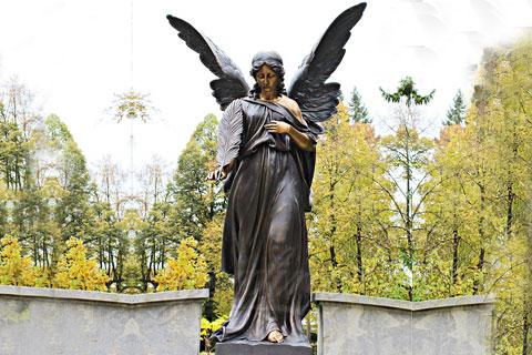 Скульптура удерживайте перо ангела на улице для декора