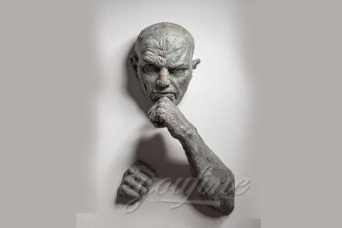 Скульптуры «Проходящий сквозь стены» в интерьере для декора