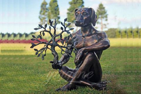 Статуя оленя из бронзы