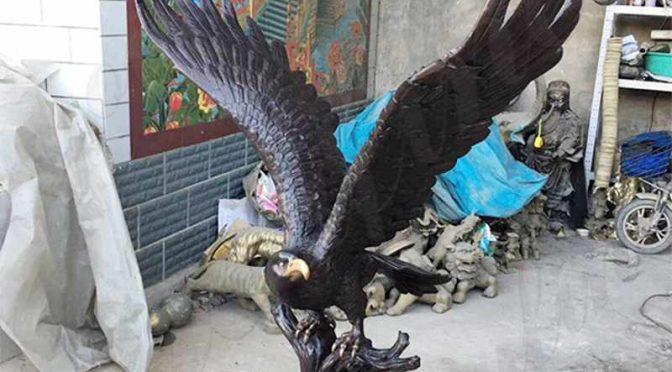 Горячие продажи в натуральную величину Черная бронзовая статуя орла для продажи