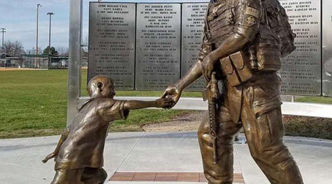Дешевая цена Мемориал сержанта Дэна Брауна бронзовая статуя солдата для продажи