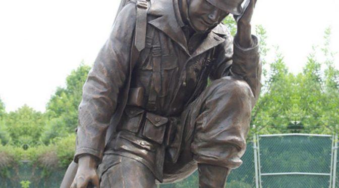 Заводской Памятник Цена Жизнь Размер Бронзовая Статуя Коленопреклоненного Солдата