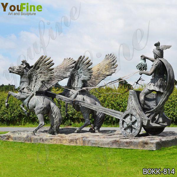 Персей едет на колеснице с головой скульптуры Медузы