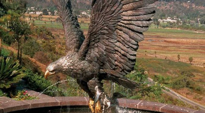 Купите большую напольную бронзовую статую животного Орла для сада
