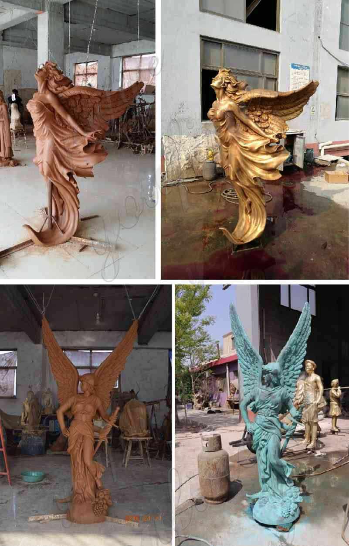 Бронзовый ангел с факелом статуя