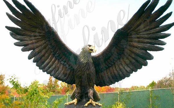 Купите большую бронзовую напольную статую орла от поставки фабрики