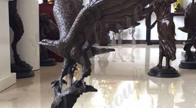 Купить бронзовую статую орла в натуральную величину для сада от фабрики
