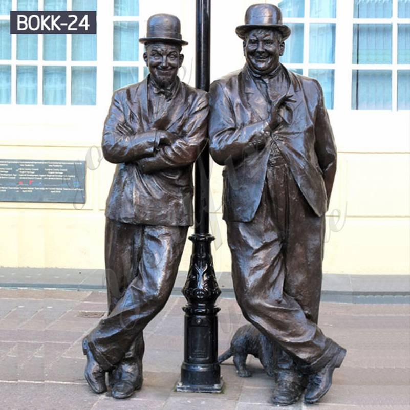 Фабрика поставляет знаменитую бронзовую статую Лавра и Харди для продажи BOKK-24