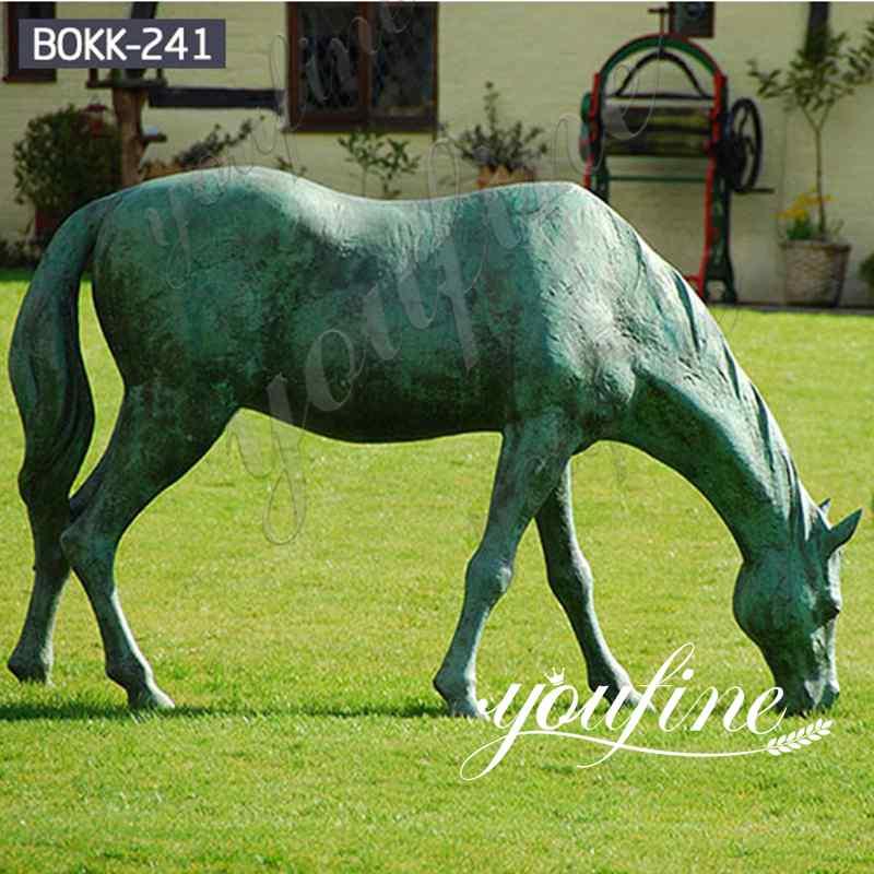 Античная бронзовая статуя пасущейся лошади в натуральную величину для продажи BOKK-241